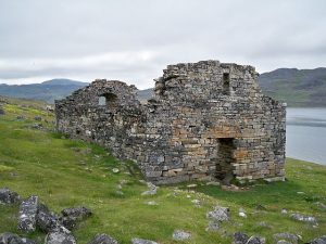 Hvalsey Church, Greenland, part of a viking settlement during the Medieval Warm Period (Source: Wikimedia Commons).