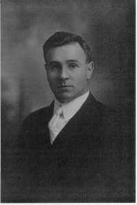 Photo of Normal L. Bowen in 1909.