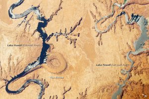 The Rincon is an abandoned meander loop on the entrenched Colorado River in Lake Powell.
